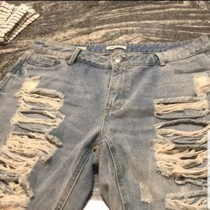 Hot Kiss Destroyed Jeans